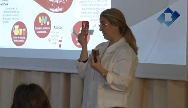 """La Clínica Dental Balaguer imparte el taller """"Cuidamos la sonrisa"""" en la Escuela Vedruna"""