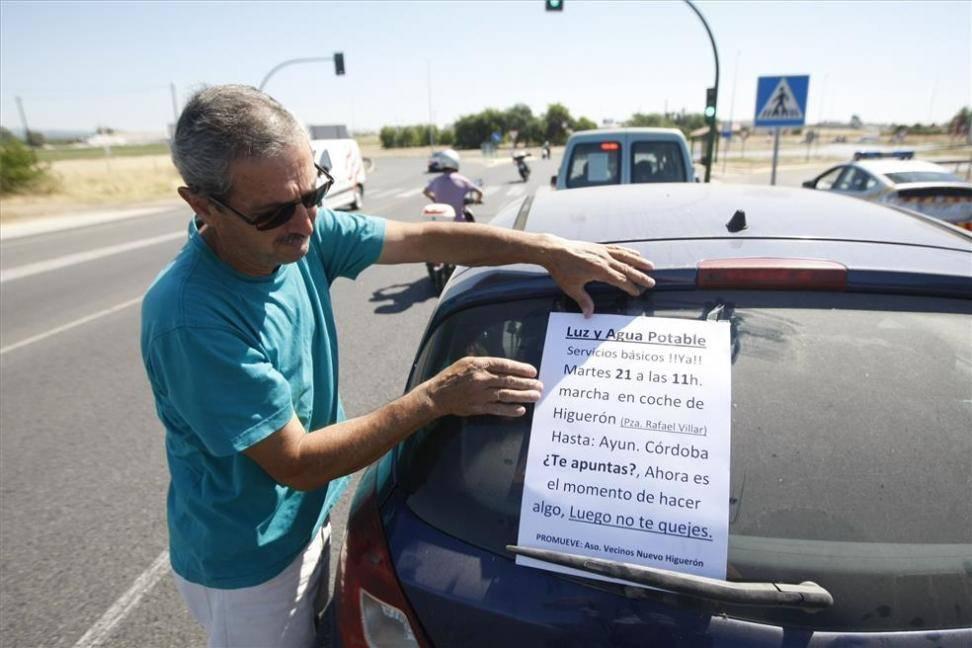 Marcha de Nuevo Higuerón para pedir agua y luz en las casas