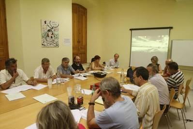Ayuntamiento y vecinos acuerdan relanzar el plan de carriles bici