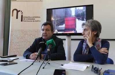 Denuncian ante la Junta, Icomos y el Defensor del Pueblo los palcos de la carrera oficial