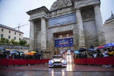 """El Movimiento Ciudadano considera """"una aberración"""" organizar carreras de coches por la ciudad"""