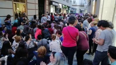 """Al-Zahara se suma a las protestas del movimiento feminista por sentencia dictada contra """"La Manada"""""""