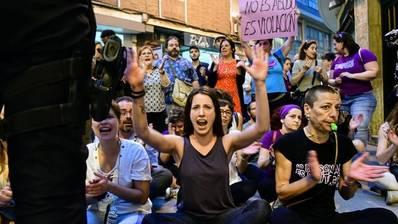 """Comunicado represión policial ejercida el 26 de abril concentración contra sentencia """"La Manada"""""""