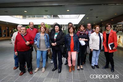 IU y los vecinos piden a la Junta la rehabilitación de viviendas públicas del Guadalquivir