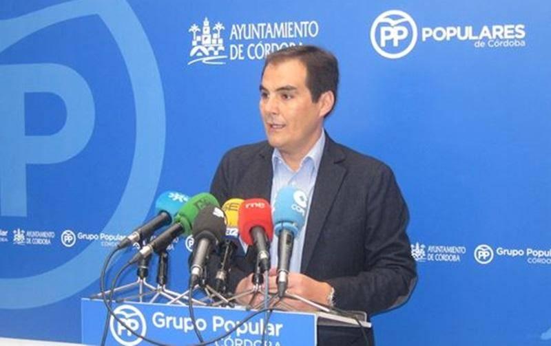 Nieto lamenta que el gobierno local niegue un informe de la UCO sobre Cosmos