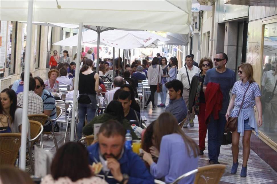 Urbanismo convoca para el lunes la mesa que abordará los veladores