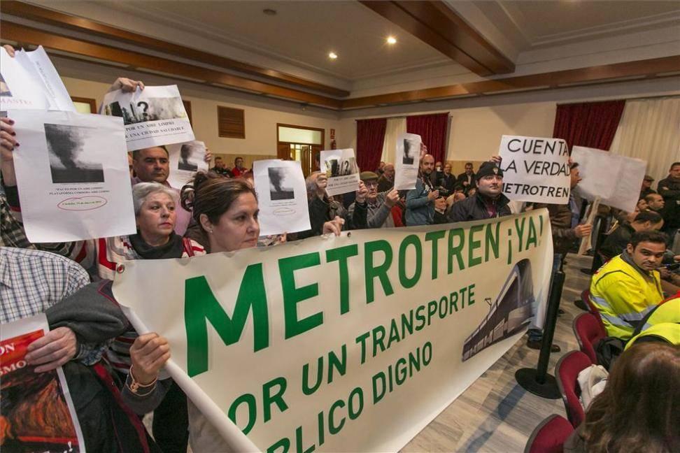 """La plataforma del 'Metrotrén' lamenta el """"boicot"""" de los empleados de Aucorsa al proyecto"""