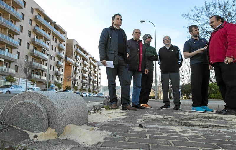 El Ayuntamiento se plantea ya cambiar los bolardos de Poniente