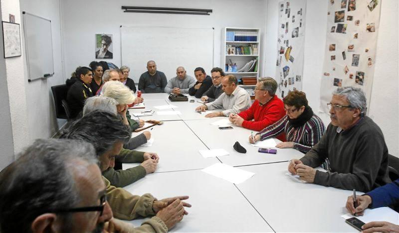 LOS VECINOS RECLAMAN QUE SE GARANTICE EL TRANSPORTE PÚBLICO