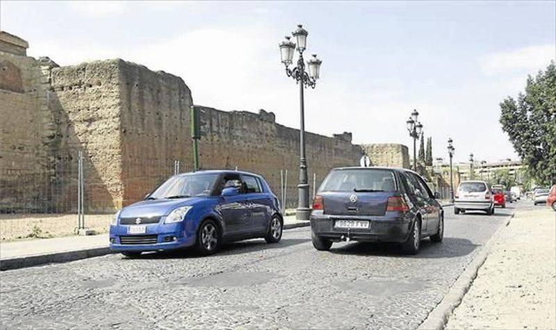 El proyecto del Marrubial solo prevé dos carriles para el tráfico