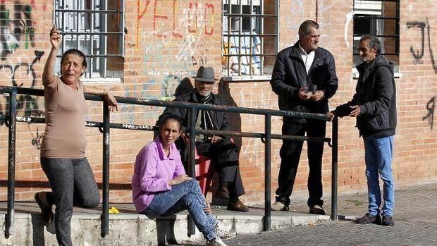 El 40% de pisos de Las Palmeras de Córdoba está en situación irregular, según los vecinos