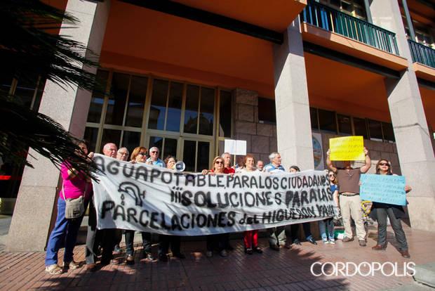 Vecinos del Higuerón sin servicios convocan una marcha al Ayuntamiento