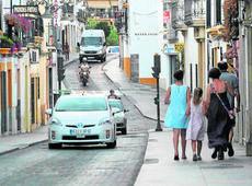 Vecinos y comerciantes aceptan la nueva reordenación del tráfico en Capitulares