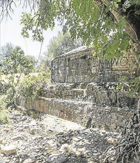 Piden investigar los continuos cortes de la bimilenaria fuente de La Palomera