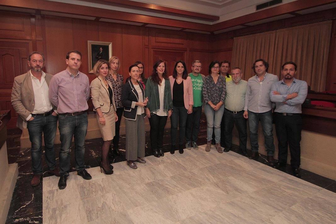 Constituida en el Ayuntamiento la comisión de comercio ambulante