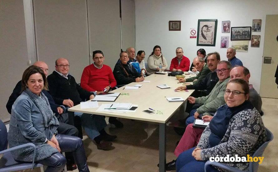 Los vecinos solicitan adaptar la comisión de seguimiento para retirar las vías fuera Alcolea