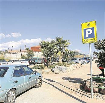 Vecinos piden que se aclare en qué solares hay que pagar por aparcar