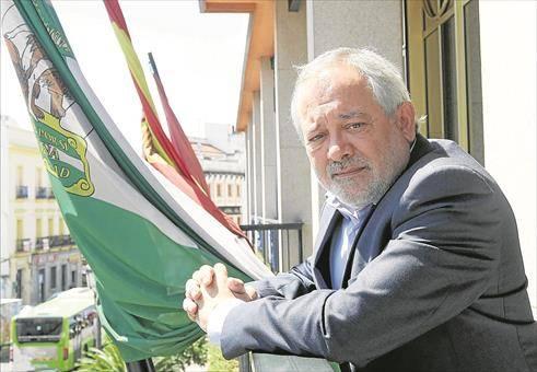 El exalcalde de Córdoba Andrés Ocaña fallece después de sufrir un infarto