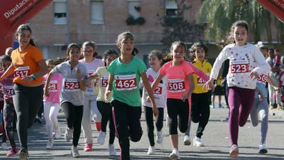 La Milla de Las Palmeras se estrena con más de medio millar de participantes