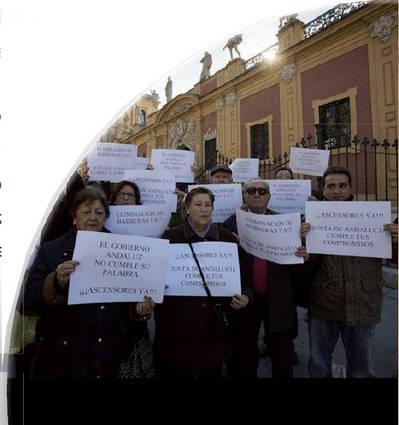 """""""El gobierno andaluz deja sin ayudas a más de 400 comunidades cordobesas"""""""