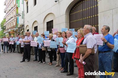 Al-Zahara pide a la Junta que reactive la rehabilitación de edificios y los ascensores