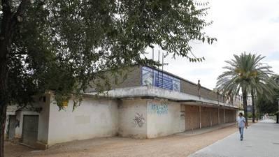 La Subdelegación garantiza al Ayuntamiento de Córdoba tendrá «en días» el Pabellón de la Juventud