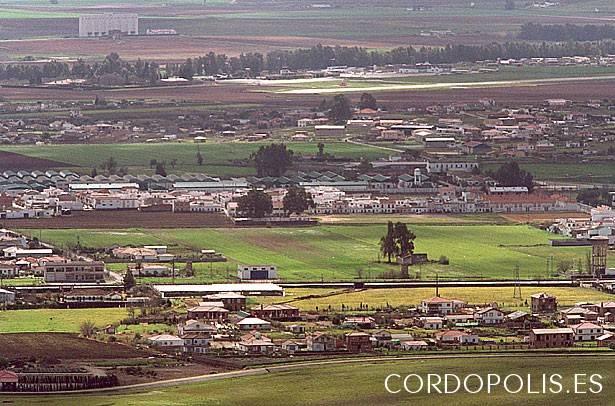 El Movimiento Ciudadano reitera su petición de servicios básicos a las parcelas de Medina Azahara