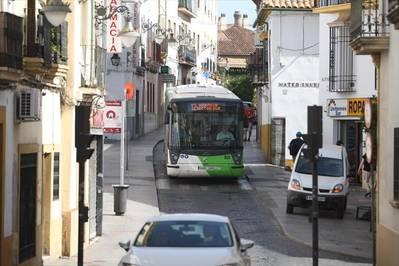 Alfaros se quedará con una sola línea de autobús desde octubre