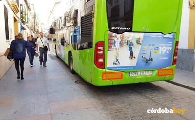 """El gobierno local aclara que la retirada de autobuses está """"sin fecha"""" y consensuará con vecinos"""