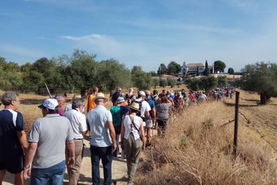 Vecinos de La Palomera vuelven a reclamar que el camino y la fuente sean públicos