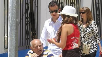 La mayoría de los caseteros, a favor con matices de poner coto al sexismo en la Feria de Córdoba
