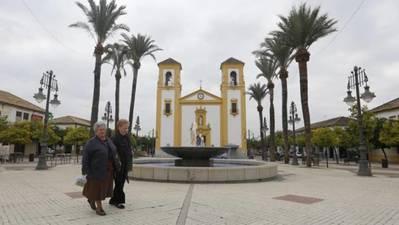 Alternativas a la plaza de Cañero: Del Barrio, de la Asociación Vecinal y San Vicente Ferrer