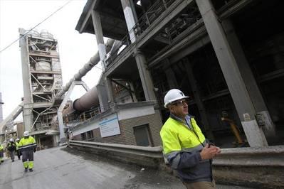Quejas por restos de «polvo de cemento» en varias zonas