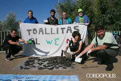 El Consejo Municipal de Medio Ambiente denuncia el uso de toallitas que acaban en el río