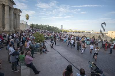 La F. Al-Zahara insiste en la crítica sobre la desproporcionalidad de actividades en Casco Histórico
