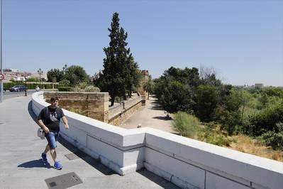 El Ayuntamiento creará un paseo natural desde el puente del Arenal hasta Casillas