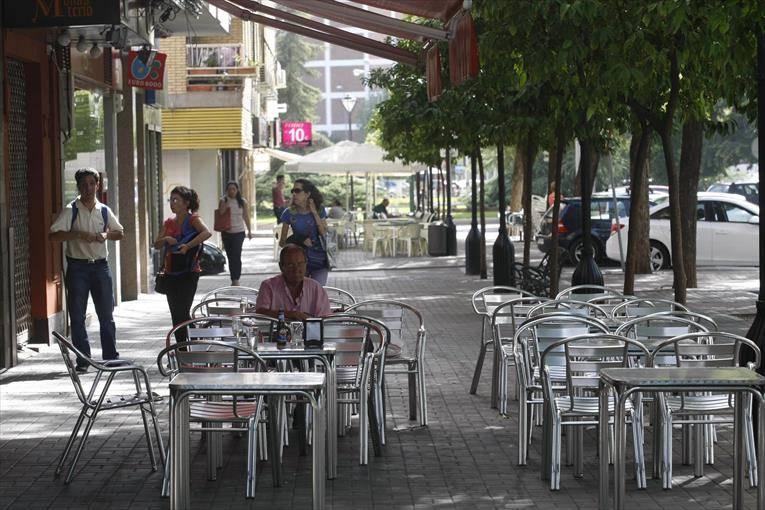 Los hosteleros piden a los vecinos «tranquilidad» por los veladores