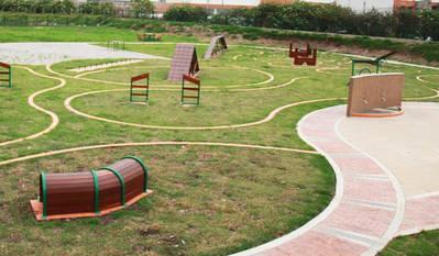 Vecinos de Arroyo del Moro y Colonia de la Paz reclaman un parque canino