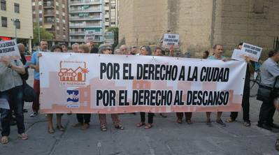 Protesta vecinal contra el decreto de la Junta de ampliación de horarios de establecimientos de ocio
