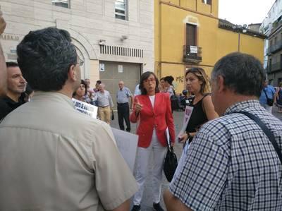 Los vecinos cargan contra la Junta por el decreto de terrazas