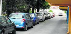 Los vecinos de Miralbaida exigen al Consistorio rapidez en las mejoras