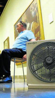 Los vecinos exigen a Cultura que arregle la climatización del Bellas Artes
