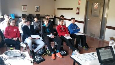 En marcha el curso de Monitor Nacional de Tenis en el CT Urgell