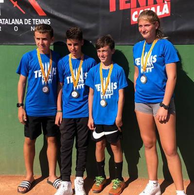 Cuatro jugadores del CT Urgell, con el equipo de Lleida en el encuentro de selecciones provinciales