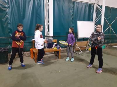 Entrenamientos de la escuela a las pistas de la FCT en La Caparrella