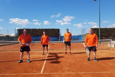 El Masculino +30 estrena en la Liga Catalana de tenis con una derrota mínima