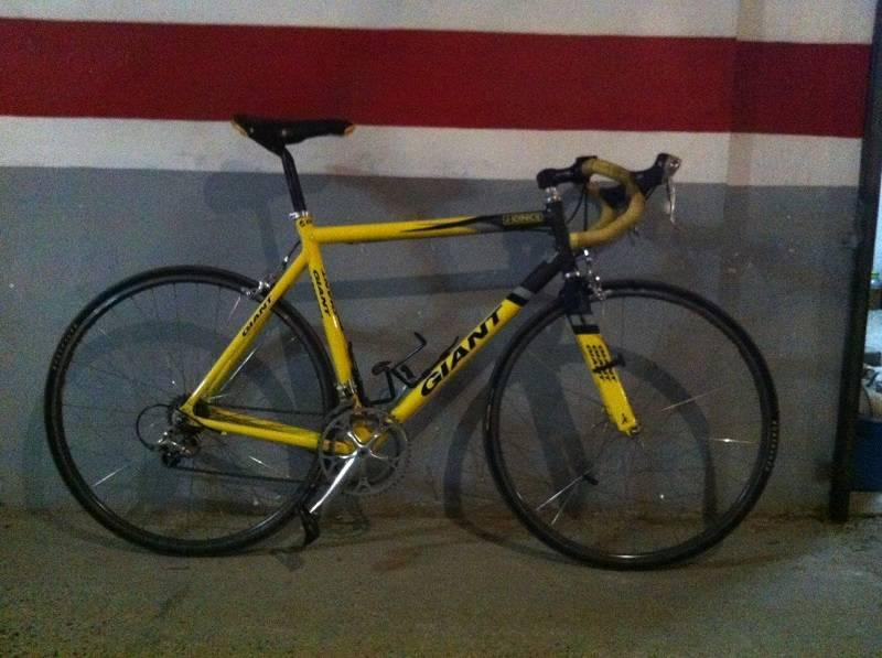 Venc bicicleta marca GIANT