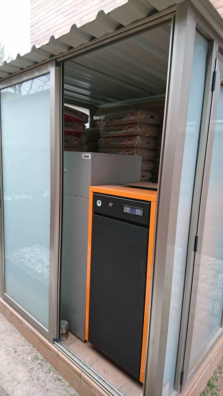 Instal.lació caldera Ferroli Naturfire de Biomasa a Odena.