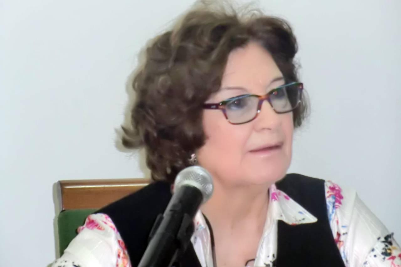 """Antonina Rodrigo recibe con """"gratitud"""" la Medalla de Andalucía y la hace extensiva a las mujeres del exilio"""