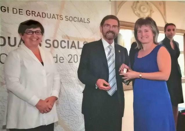 Entrega distinció per 20 anys de col.legiació professional com a Graduat Social